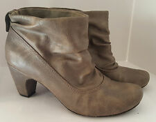 Kenneth Cole Reaction Women's Gray Ankle Boots - Left size 7M, Right size 7.5M