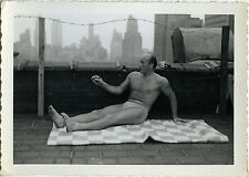 PHOTO ANCIENNE - VINTAGE SNAPSHOT - HOMME TORSE NU MUSCLE TOIT USA - ROOFTOP MAN