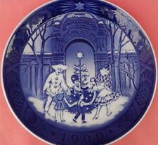 ROYAL COPENHAGEN YEAR PLATE 1990 CHRISTMAS AT TIVOLI