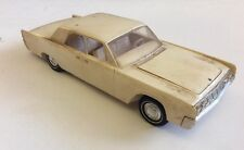 BUILT VINTAGE 1964 LINCOLN CONTINENTAL AMT 1/25 SCALE MODEL