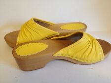 Women Wooden Leather Crinkle Yellow Clogs Slip Resistant Size 6.5