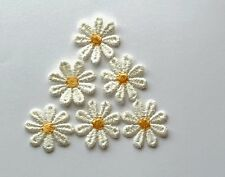 PACK OF 6 IRON-ON OR SEW-ON APPLIQUE CREAM DAISY FLOWERS - FLOWER EMBELLISHMENTS