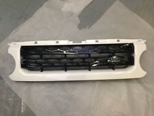 Land Rover Discovery 4 Fuji White & Black Gloss Landmark Front Grille - LR032847