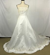 Wedding Bride's Gown Size 6 David's Bridal Embroidered Mermaid White