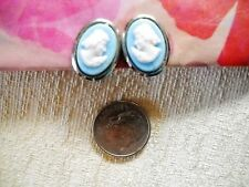 VINTAGE 1960s TINY BLUE & WHITE THERMOSET PLASTIC OVAL CAMEO CLIP-ON EARRINGS