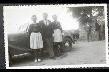 Photo Amateur / AUTOMOBILE Cabriolet animée période 1950