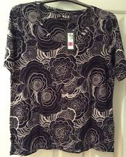 BNWT MARKS & SPENCER SIZE 22 NAVY PATTERNED T SHIRT