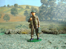 Airfix World war 2 British soldier carrying ammo 1:32 painted