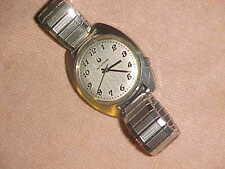 1969 ACCUTRON 218 - SILVER LINEN DIAL - SWEET Vintage Watch - NEW BATTERY A1