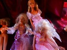 lot les 3 gràces ,barbies robes  scintillantes ,la copine +5accessoires vétement