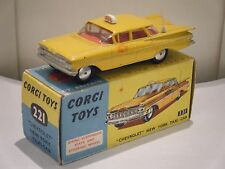 "Corgi no: 221 ""Chevrolet Impala New York Taxi"" - Amarillo (1960's/Boxed) Original"