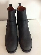 Black Russell and Bromley Ringo Jodphur Country Boots size 9 (42)