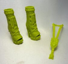 Poupée barbie vert citron peep toe lace up boots & long collier set