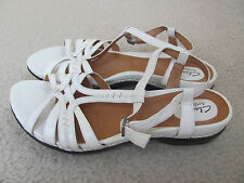 Clarks Artisan Women's White Leather Decorative Sandals Size 10-New