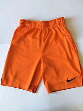 "Nike Dry Boys Pantaloncini Taglia Media di 10-12 anni (8""). Dri-Fit"