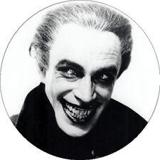 CHAPA/BADGE EL HOMBRE QUE RIE . pin button the man who laughs terror dracula