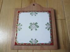 WATERFORD HOLIDAY RIBBONS WOOD AND CERAMIC TILE TRIVET BEAUTIFUL CHRISTMAS