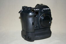 OLYMPUS E-1 5.1mp  PRO DIGITAL CAMERA 3235 CLICKS WITH HLD-2 VERTICAL GRIP 40260