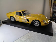 REVELL GERMANY 8854 1/12th FERRARRI 250 GTO W/ 2 TRANS KITS, INTERIOR + EXTERIOR