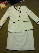 Awesome women's size 12 Worthington white/navy blue skirt suit set outfit blazer