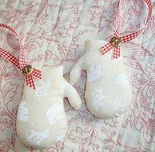 2No Padded Hanging Fabric Christmas Decorations - Mittens