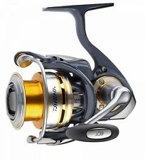 Daiwa CERTATE 2500 Spinnrolle Frontbremsrolle MAG SEALED