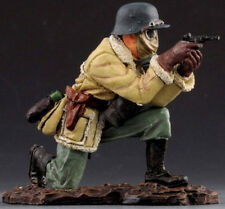 THOMAS GUNN WW1 GERMAN GC012B ROMMEL FIRING PISTOL WEARING GAS MASK MIB