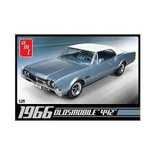 AMT 1966 Oldsmobile 442 - 1:25 Scale Car Kit - AMT689