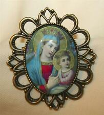 Lovely Open Festooned Glass Madonna and Christ Child Cameo Brasstone Brooch Pin