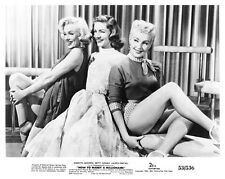 HOW TO MARRY A MILLIONAIRE still MONROE-GRABLE-BACALL - (b329)