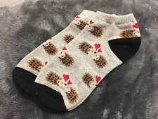 LADIES CUTE HEDGEHOG KISSING HEARTS GREY ANKLE TRAINER SOCKS ONE SIZE BN