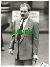 ORIGINAL PRESS PHOTO AMERICAN ACTOR STACY KEACH RELEASED FROM READING JAIL 1985