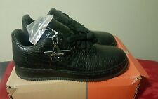 Nike Air Force 1 Supreme Leather Seamless All Black Alligator Print size 11 RARE