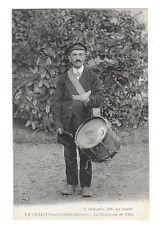 LA CHARITE SUR LOIRE (58) tambour de ville gros plan