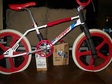 85 HARO FREESTYLE MASTER  ....( ONLY PARTS LISTED )