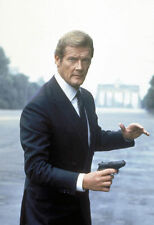 ROGER MOORE UNSIGNED PHOTO - 4285 - JAMES BOND