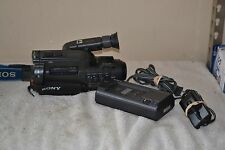Vintage Sony Video 8 Handycam, CCD-FX310 W/Battery