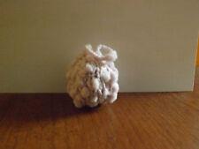 Petite boule de Noël rose tricoté mains (8)