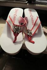 NEW, BEAUTIFUL JUICY COUTURE WHITE WT PINK & RHINESTONE ACCENTS SANDALS,  SZ 9B,