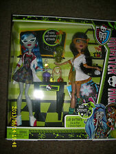 MONSTER HIGH LAB PARTNERS CLEO DE NILE & GHOULIA YELPS MAD SCIENCE 2 PACK