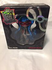 Monster High Ghoulia Yelps Chase Vinyl Figure New in Box Fast Free Shipping