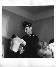 PHOTO ORIGINALE-NEW YORK-ÉTATS UNIS-POLICIER ET UN ENFANT-ACCOUCHEMENT-1946
