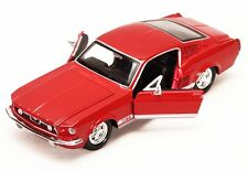 """Maisto 1967 Ford Mustang GT 1:24 scale 8"""" diecast model car Brand New Red M107"""