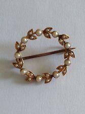 Pretty Victoriano 15ct oro perla semilla natural conjunto broche circular
