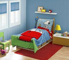 4 PC Peanuts Charlie Brown Snoopy Woodstock Toddler Bed Comforter Sheet Set
