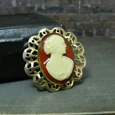 Vintage Gold Tone Cameo Pin / Brooch