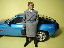 FERRY  PORSCHE  1/18   BEMALTE  FIGUR  MADE  BY  VROOM  PAINTED  FIGURE  1/18