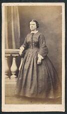 CDV c. 1860 - Femme Jolie Robe Ph. Lagriffe à Paris  - T774