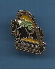 Pin's pin CHEVAL PMU GOUVIEUX (ref 071)