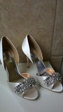 Badgley Mischka Nikki White Satin size 8 bridal pumps